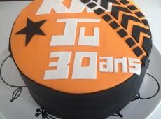 Gâteau d'anniversaire (Hyper)personnalisé – KTM