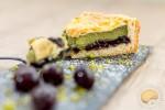 Comme un gâteau basque : pistache / cerises noires