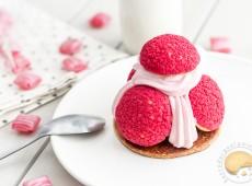 Saint Honoré aux fruits rouges : framboise, fraise des bois et myrtilles
