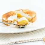 Tartelettes aux agrumes meringuées : citron, pamplemousse et yuzu