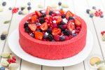 Entremets frais aux fruits rouges et au lait d'amande