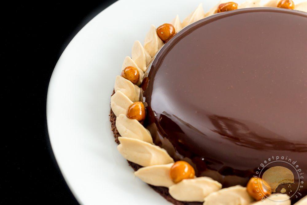Tarte divine chocolat et caramel au beurre sal sucre d - Comment decorer une tarte au chocolat ...