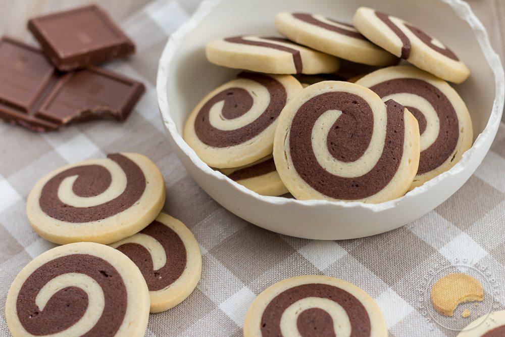 Biscuits Spirales Chocolatvanille Sucre Dorge Et Pain Depices