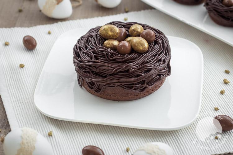 Nids de p ques tout chocolat ultra moelleux et fondants sucre d 39 orge et pain d 39 epices - Recette nid de paques au moka ...